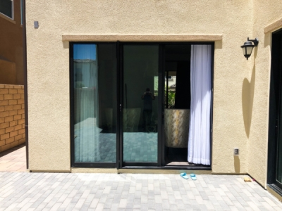 Retractable Screen Doors in Santa Ana